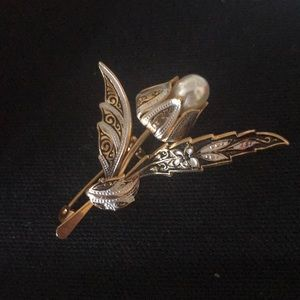 Beautiful vintage pin